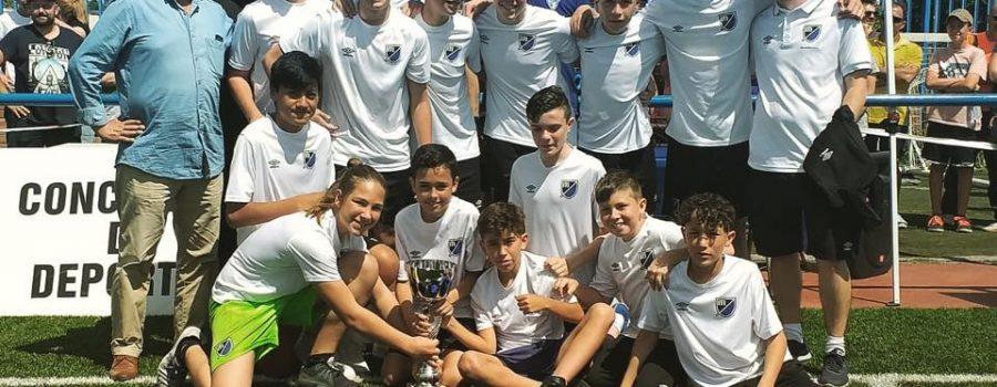 El Infantil A del Móstoles Balompié ganó el Torneo Andrés Torrejón